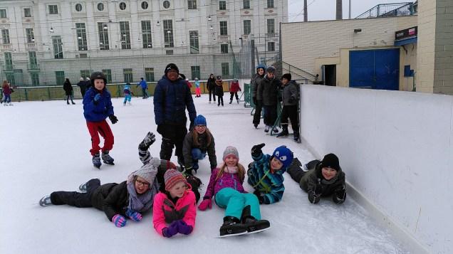 4b Eislaufen am 6.12.2019